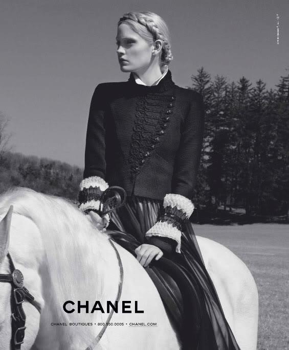www.lacavalieremasquee.com / Karl Lagerfeld for Chanel: F/W 2009-2010