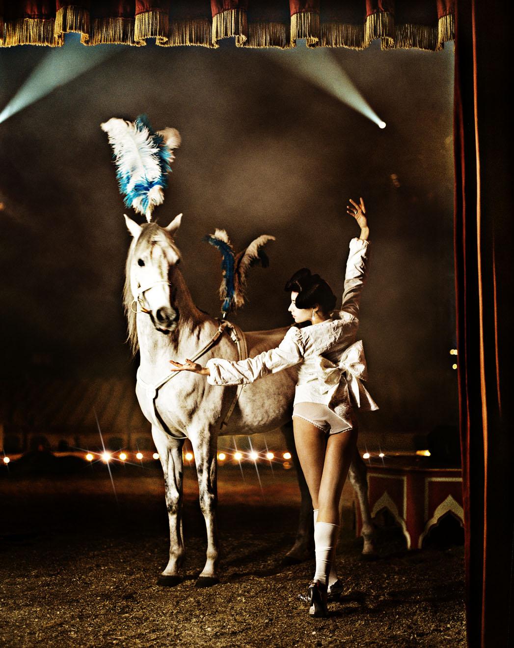 www.lacavalieremasquee.com | Signe Vilstrup: Cirkus w/ Cecilie Lassen