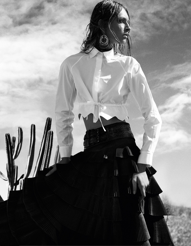 www.lacavalieremasquee.com | Mikael Jansson for Vogue Japan April 2012: Diva Of The Plains