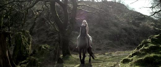 Anna Rose: Behold A Pale Horse / la Cavalière masquée - Masked Horse