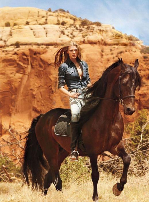 www.lacavalieremasquee.com / Best Western | KT Auleta for Elle Magazine August 2013 w/ Tamara Weijenberg
