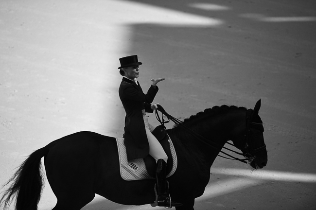 www.lacavalieremasquee.com | Dressage Grand Prix Freestyle by Sindy Thomas