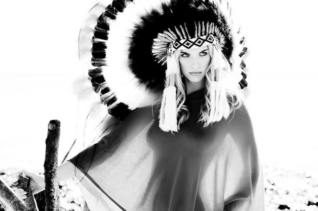 www.lacavalieremasquee.com   Indian girl by Veronika Loubry
