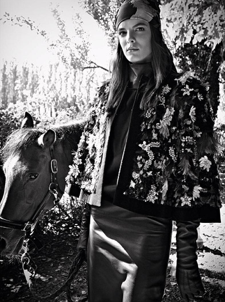 www.lacavalieremasquee.com | Komposisi Equestrian | Andrea Sudati for Marie Claire August 2015