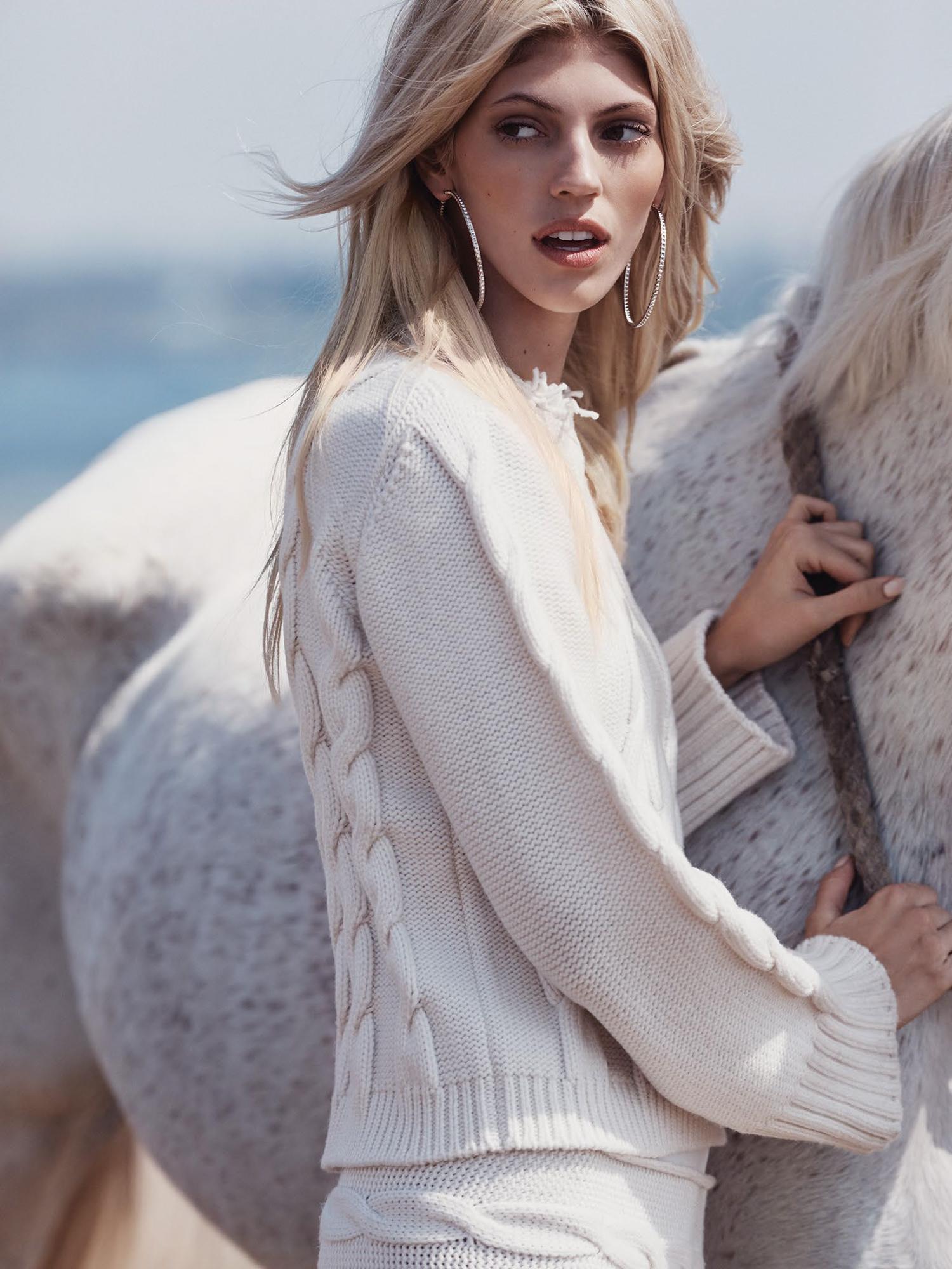 www.lacavalieremasquee.com | Dean Isidro for Vogue México November 2015 w/ Devon Windsor
