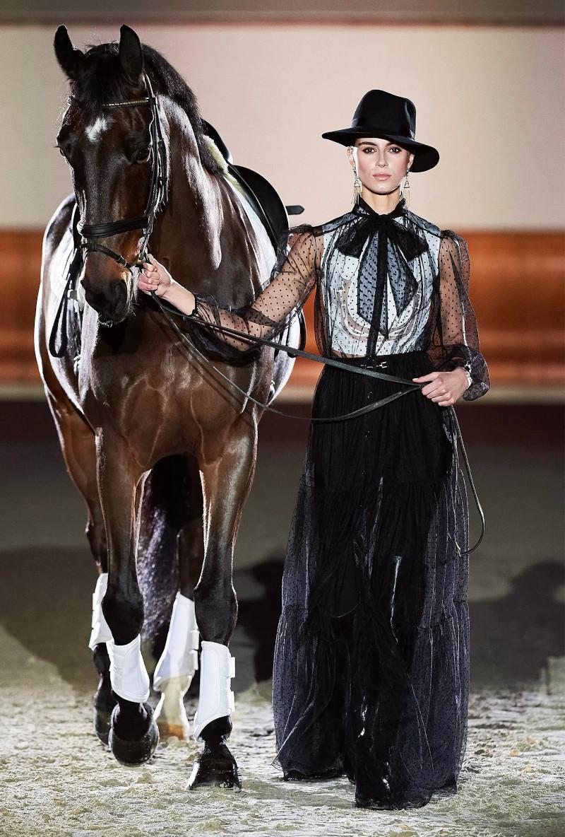 www.lacavalieremasquee.com | Elisabetta Franchi Fashion Show Fall/Winter 2021-22