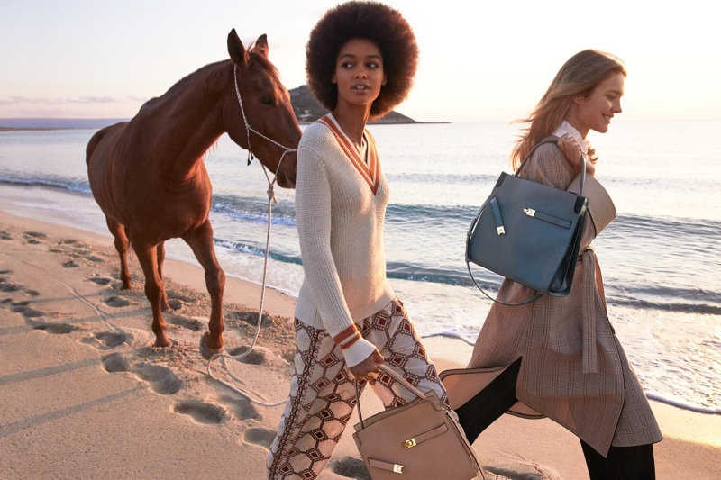 www.lacavalieremasquee.com | Tory Burch Spring/Summer 2021 campaign w/ Natalia Vodianova and Blesnya Minher
